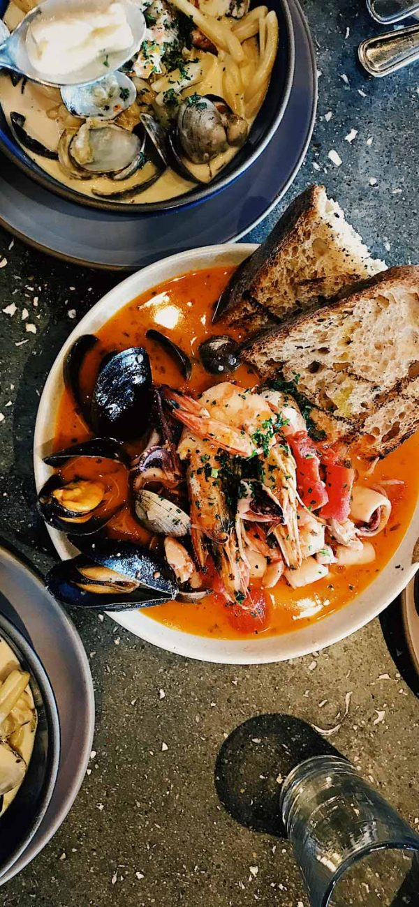 La Cantina Restaurant & Pizzeria - Seafood Menu